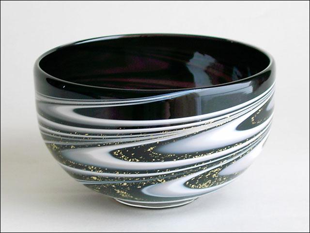 【ガラス抹茶茶碗】黒流水文・深めのお茶碗