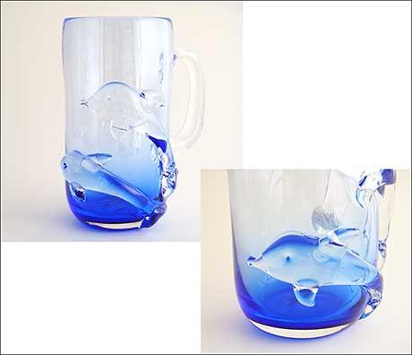 イルカのグラス、立体モチーフ