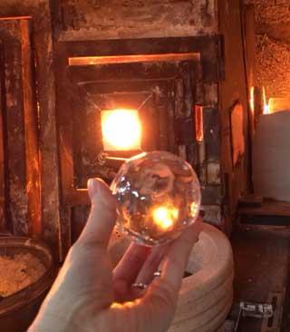 ガラス氷の球体