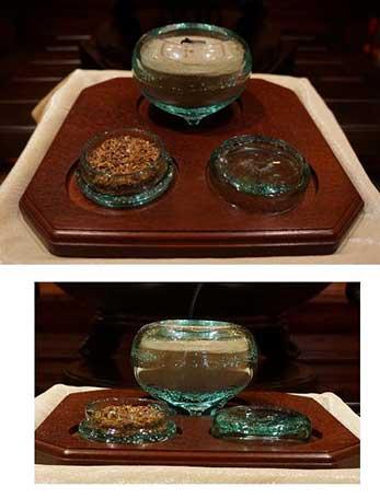 ガラスの香炉と香合